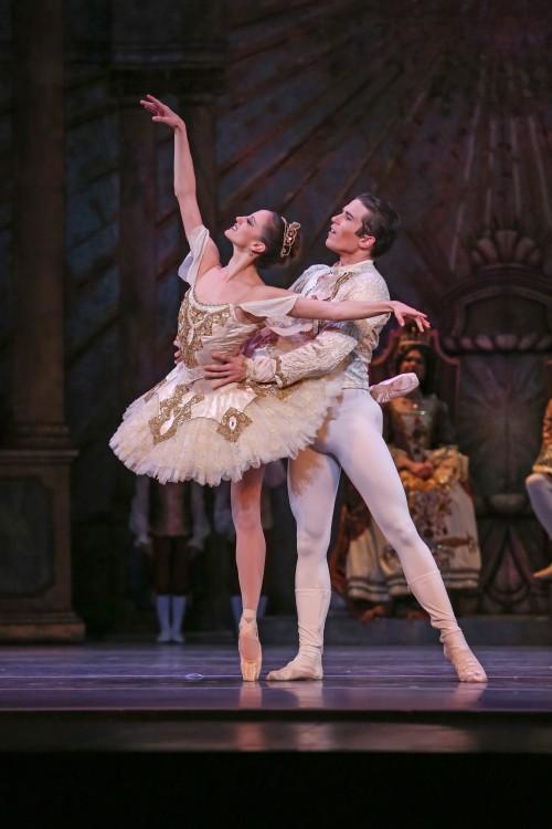 charlotte-ballet-_sleeping-beauty_princess-aurora-alessandra-ball-and-prince-florimund-josh-hall_1_photo-by-jeff-cravotta-min