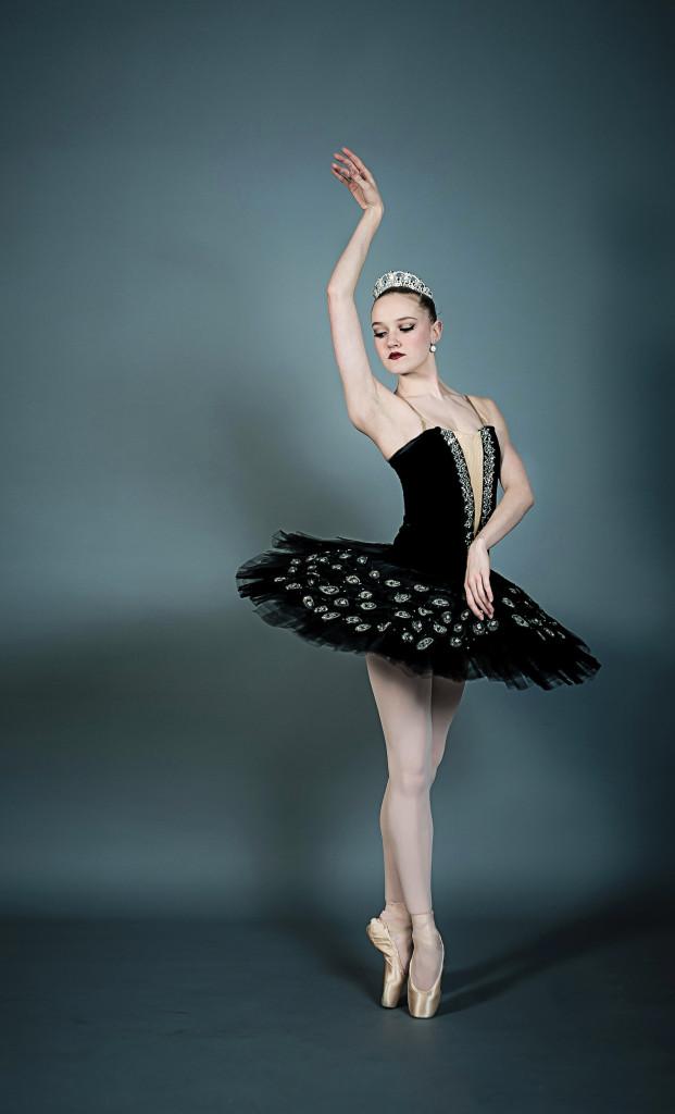 sarah-lapointe-for-dance-magazine_r1