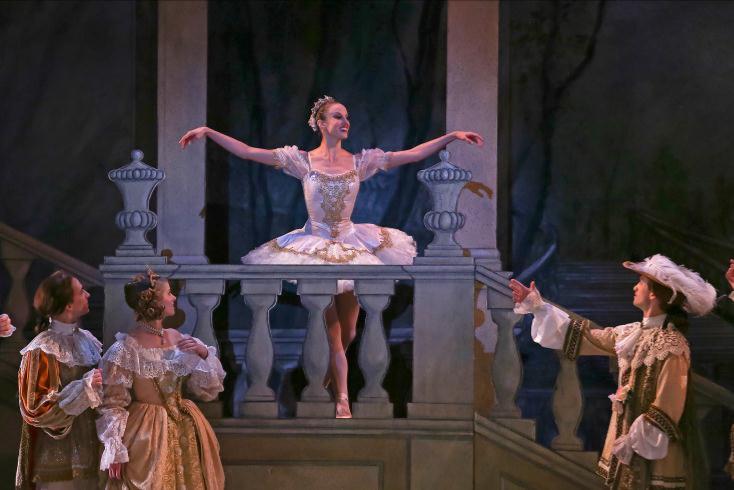 charlotte-ballet-_sleeping-beauty_princess-aurora-alessandra-ball_photo-by-jeff-cravotta_webcompressed