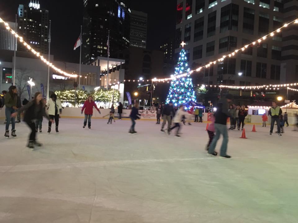 blog_uptown-holidays_ice-skating