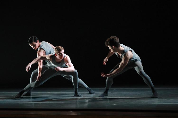 charlotte-ballet_-peter-chus-rite-of-spring_-humberto-ramazzina-david-preciado-jonas-godwin_-photo-by-jeff-cravotta_-fix_1142-5239