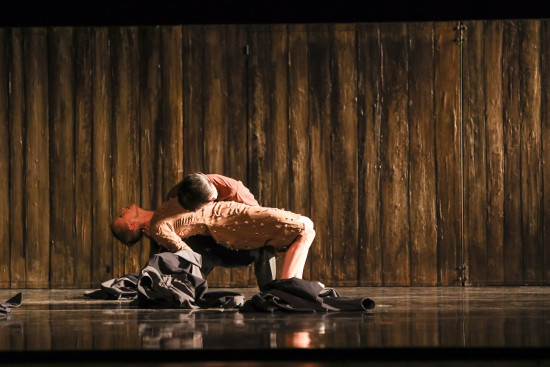 charlotte-ballet_johan-ingers-walking-mad_sarah-hayes-harkins-and-ryo-suzuki_photo-by-jeff-cravotta-fix_1092-6414-1
