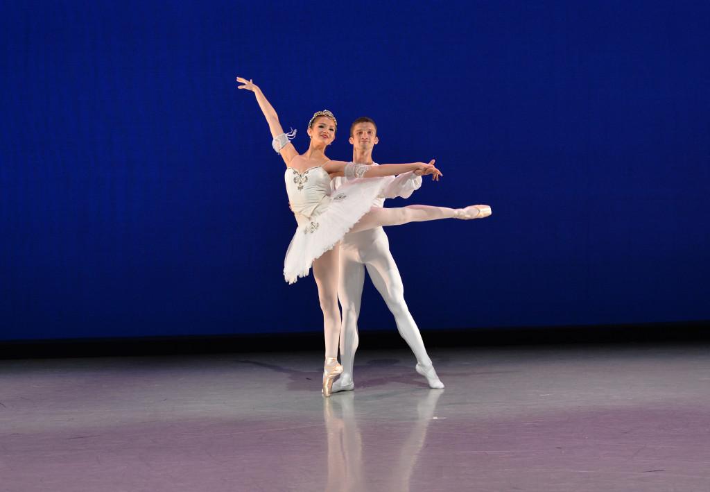 elizabeth-baehman-danceshot_-peterzay443