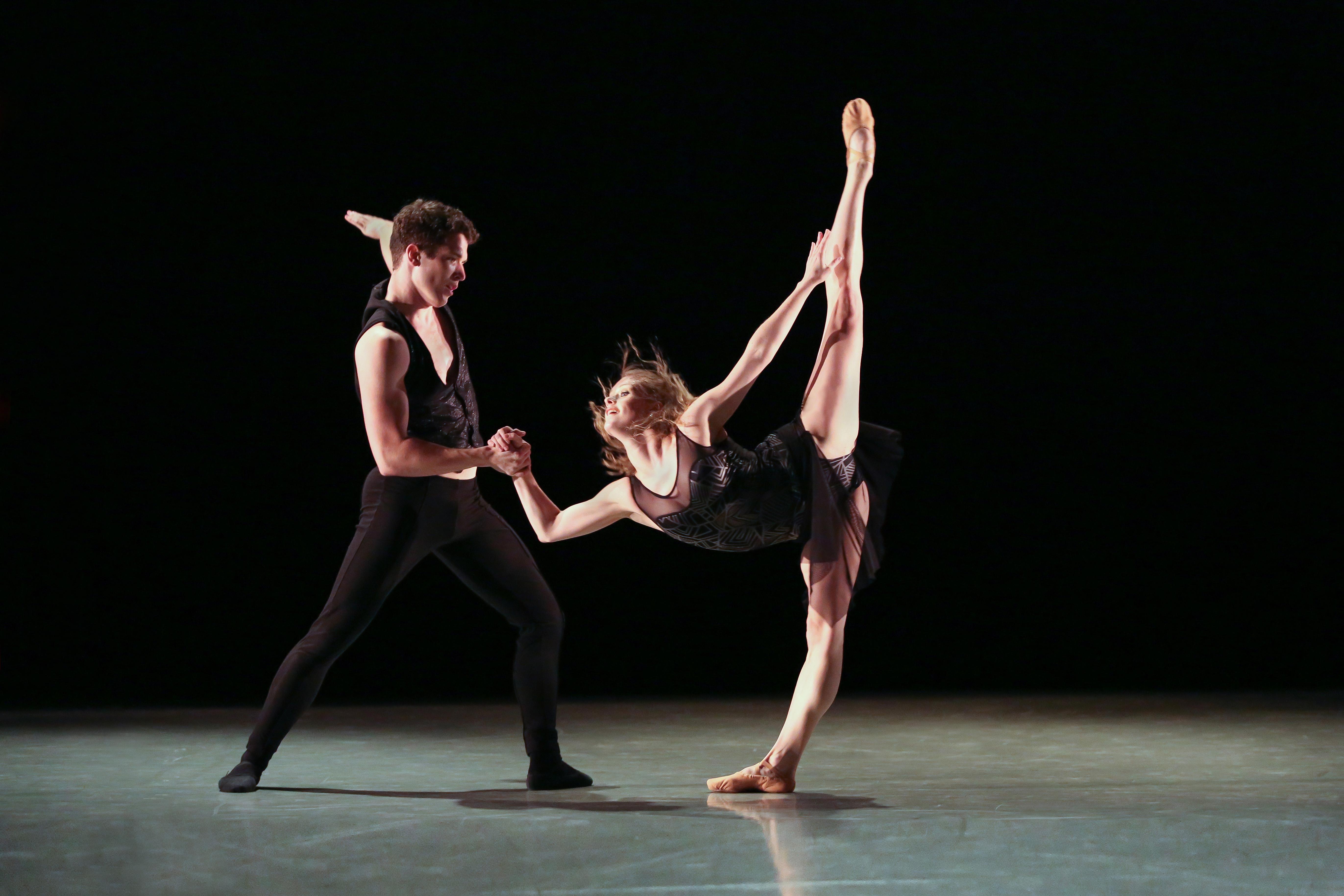 charlotte-ballet_innovative-works_sasha-janes_hallelujah-1_photo-by-jeff-cravotta